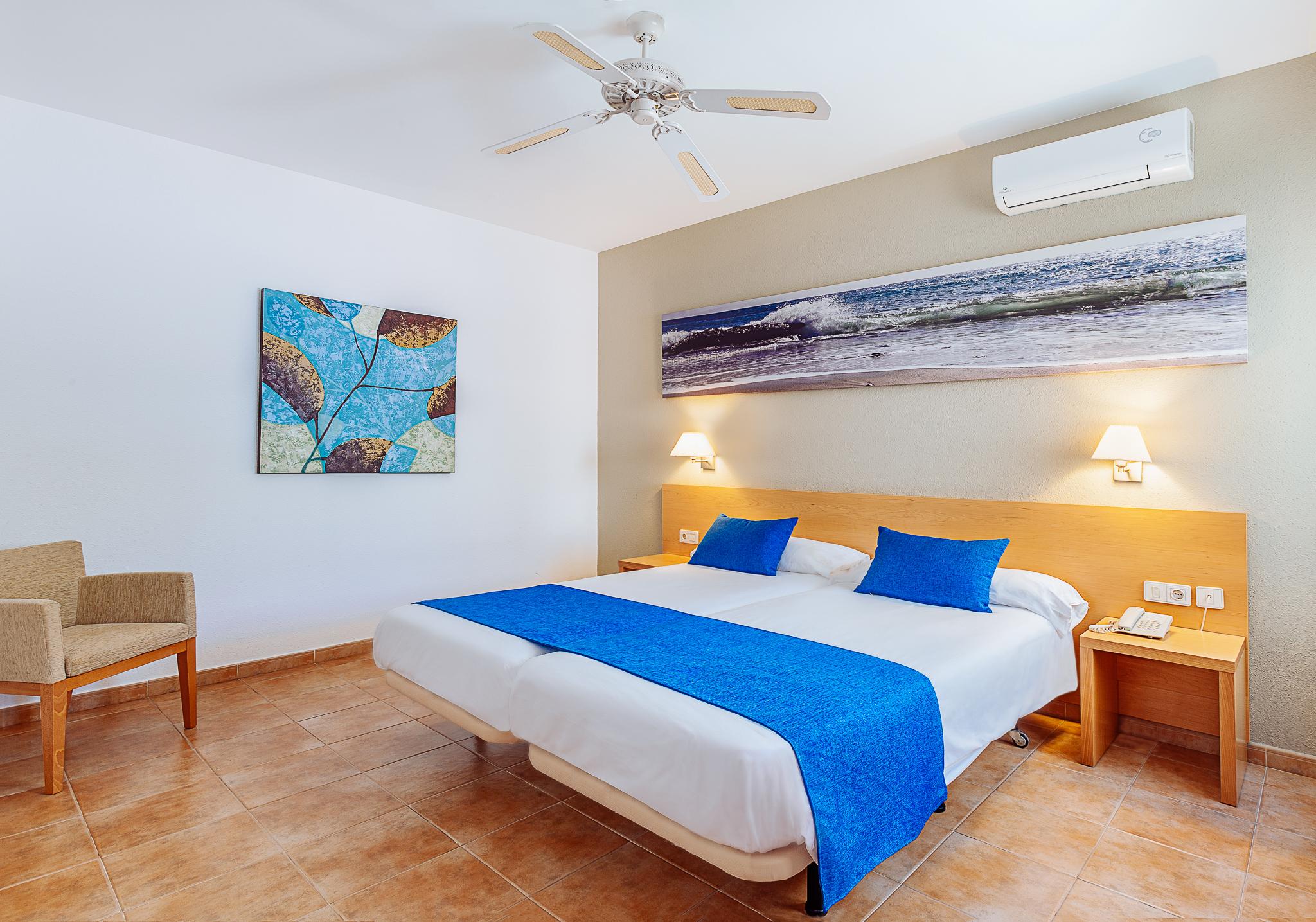 hotel room-1